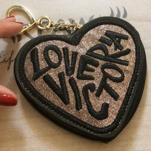 Vs coin wallet keychain